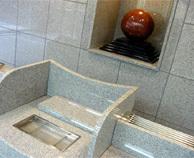 写真:合葬納骨壇の礼拝